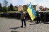 У Львові солдатський меморіал оточила міліція
