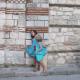 МИНУЛЕ І МАЙБУТНЄ. Діти граються біля церкви св. Тодора