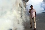 Фото дня. 8 лютого. Зіткнення між поліцією і демонстрантами у Бахрейні, потужний землетрус на Філіппінах та інше