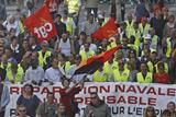 Фото дня. 20 лютого. У Франції робітники захопили завод Arcelor Mittal, карнавал у Ріо-де-Жанейро та інше