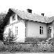 П. Потічний біля школи у Павлокомі