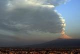 Фото дня. 19 квітня.Мексика готується до виверження вулкану, міжнародний чемпіонат з приготування піци на півночі Італії та інше