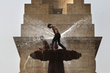 Фото дня. 30 травня. Аномальна спека в Індії, фестиваль музичного мистецтва у Львові та інше