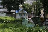 У Києві невідомі вночі розібрали паркан навколо Стрітенської церкви