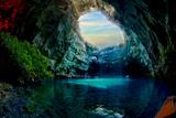 Печера Меліссані - чарівне місце у Греції