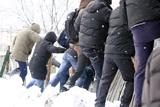 У Києві зламали паркан на проблемному будівництві