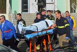 Фото дня. 11 січня. Розстріл у школі США, міжнародне автошоу у Брюсселі та інше