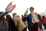 """У Великій Британії демонстранти """"відсвяткували"""" смерть Маргарет Тетчер"""
