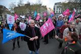 Легалізація одностатевих шлюбів збурила Францію