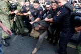Акція на підтримку Навального. Спецназ і внутрішні війська затримали сотні незгодних