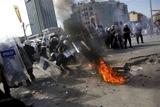 Турецька поліція за допомогою сльозогінного газу розігнала антиурядові протести