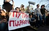 Моніторинг Runet: відставка «сірого кардинала», українське «підрахуй» визнали хуліганством та «Левада-центр» назвали іноземним агентом