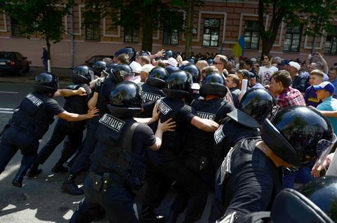 18 травня, бійка за БТР в центрі Києві