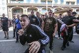 В Україні під наглядом силовиків формується армія вуличних бійців