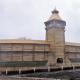 """Батуринська цитадель. Комплекс дерев'яних оборонних споруд відбудовано за малюнками та кресленнями XVIII століття. Натяки на старовину можуть з'явитися тут хіба що років через 10-15, коли на вежах і стінах позначиться недостатнє фінансування """"пам'ятки""""."""
