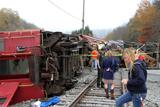 Фото вихідного дня. 12-13 жовтня. Велика залізнична аварія у США, масові заворушення у Москві та інше