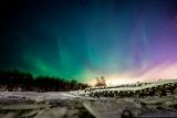 Морозна ніч у Мурманську: північне сяйво і сніги