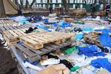 Що залишилось після прихильників Януковича у Маріїнському парку