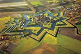 """Фортеця """"Буртанж"""" у формі зірки в Нідерландах"""