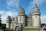 Замок П'єрфон, одна з визначних пам'яток сучасної Франції
