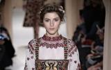 Тиждень моди у Парижі. Valentino приголомшив модною колекцією вишиванок
