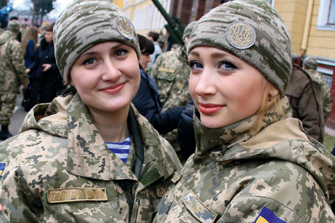 Более 15 тыс. женщин проходят службу в украинской армии, - Минобороны - Цензор.НЕТ 3929