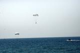 Майбутні офіцери здійснили стрибки з парашутом на воду