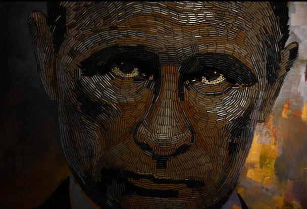 Українська художниця створила портрет Путіна з гільз