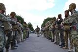 Воїни-розвідники здійснювали стрибки з парашутом