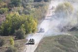 Українські війська на Донбасі розпочали відведення танків і артилерії
