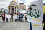 Активісти в Києві привітали політв'язня Карпюка з Днем народження