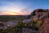 Заповідник «Кам'яні могили» – Місто мертвих серед безкраїх степів живої природи