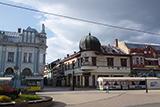 Західніше від Львова, східніше від Братислави