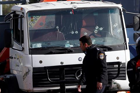 Теракт в Ізраїлі. Вантажівка в'їхала в натовп в Єрусалимі
