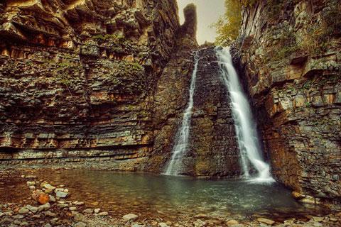 """Бухтівецький водоспад. Вода, яка """"пробила скелю"""""""