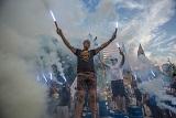 Активісти влаштували під Радою фаєр-шоу, вимагаючи зняти недоторканність з депутатів