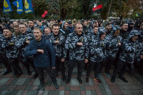 Мітинг під Радою проти законопроектів щодо Донбасу