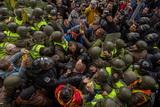 Мітинг, сутички й намети. Як під Радою вимагали скасувати недоторканність депутатів