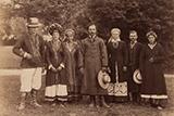 Українці Правобережжя в національних костюмах: фото 1870-х років