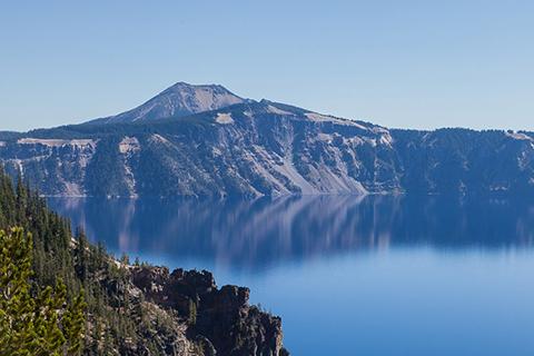 Неповторний національний парк та озеро Crater Lake