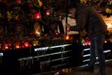 На Алеї Героїв Небесної Сотні запалили свічки біля портретів загиблих