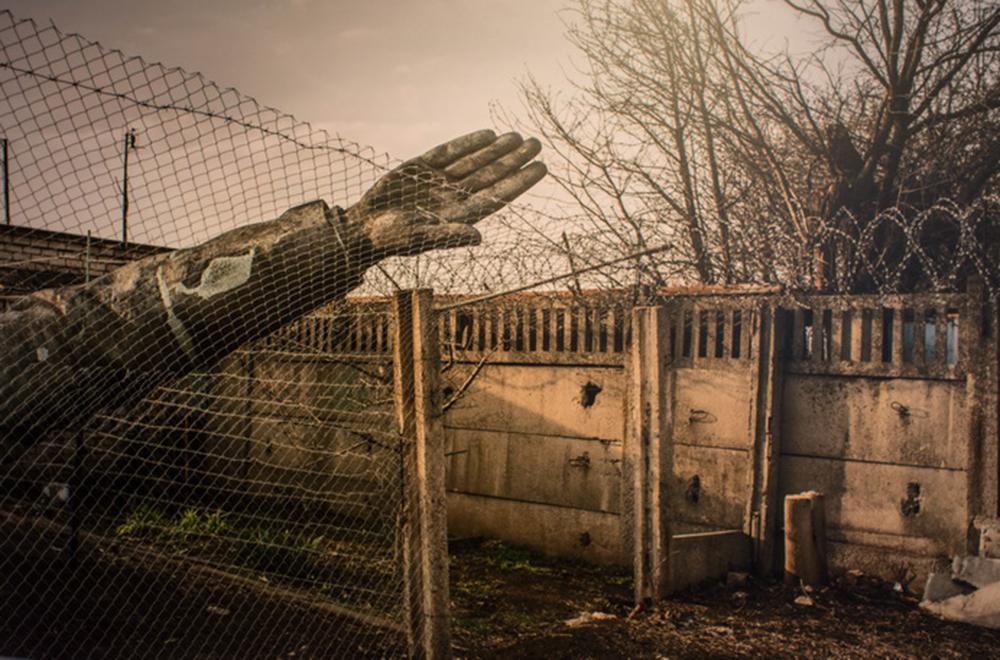 Фотовиставка «У пошуках Лєніна». Український лєнінопад