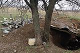 """""""Герої Новоросії"""" та гільзи від снарядів. Цвинтар у Луганську"""