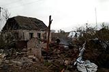 Наслідки обстрілу бойовиками населеного пункту Луганське
