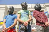 """Під Радою провели імітацію """"параду полонених"""" на підтримку заручників"""