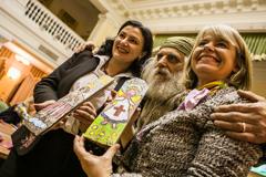 Малюнки відомих жінок зібрали понад 100 тис. грн на реабілітацію військових