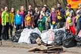 Кияни влаштували пробіжку зі сміттєвими пакетами