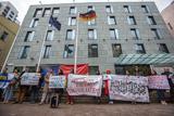 """Родичі в'язнів Кремля під посольством Німеччини протестували проти """"Nord Stream-2 """""""