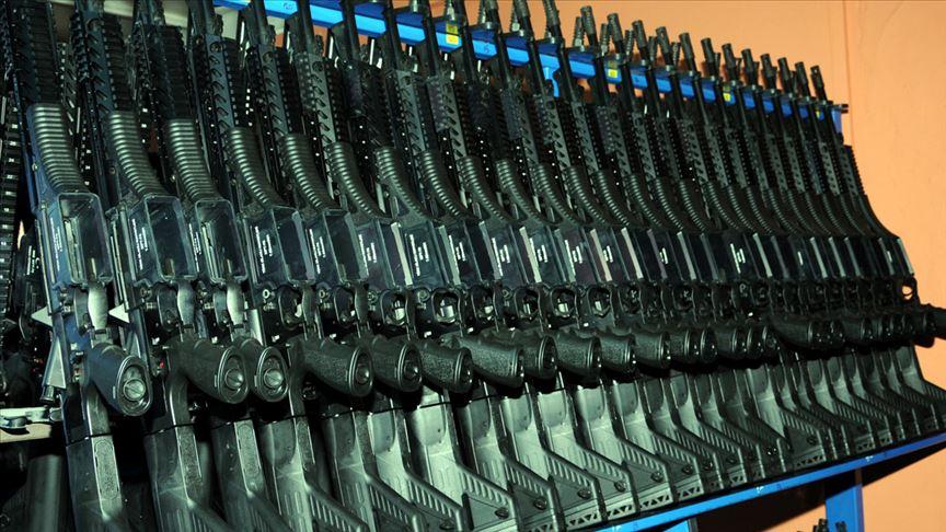MP-5 – це 9-мм пістолет-кулемет, який мають на озброєнні переважно загони сил спеціальних операцій та поліції у понад 50 країнах світу