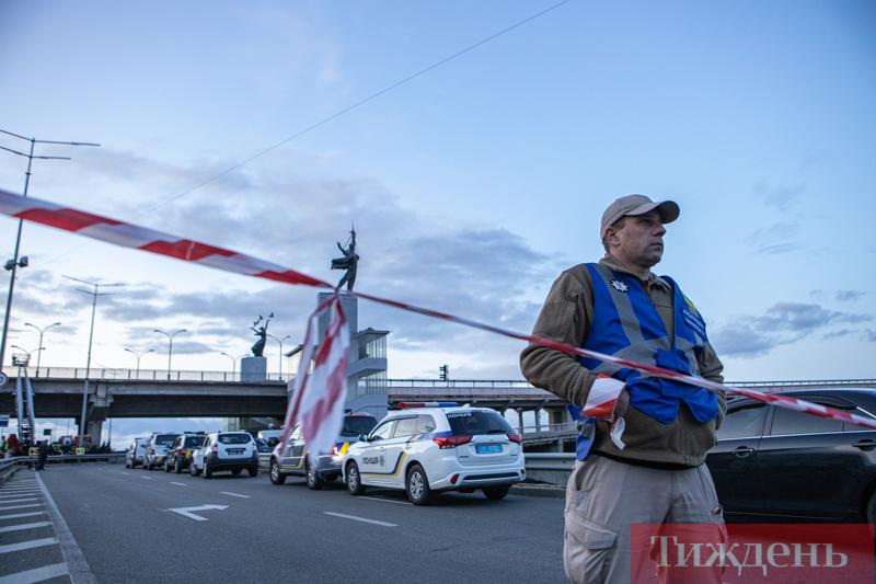 Поліція показала, як затримала «мінера» мосту Метро